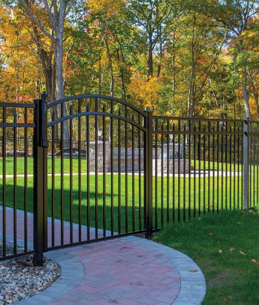 Alum Amethyst w arch gate