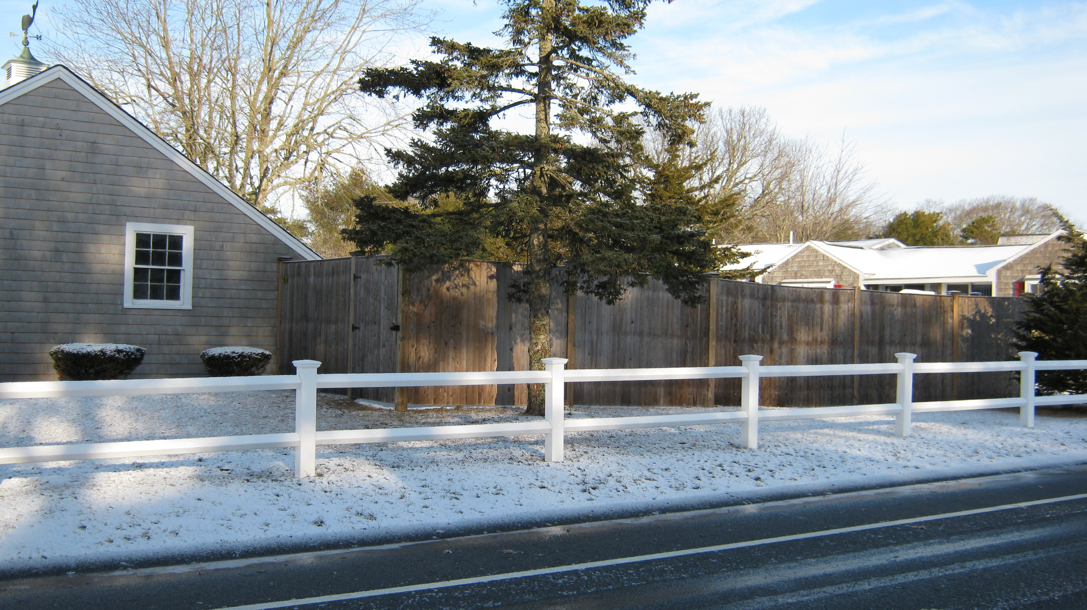 Diamond Post & Rail – 2/ rail or 3/ rail PVC | Spaulding Fence & Supply
