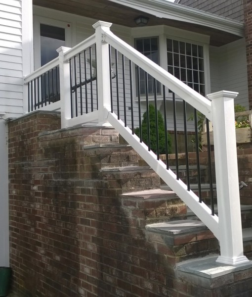 Vinyl Railings With Round Aluminum Balusters Spaulding